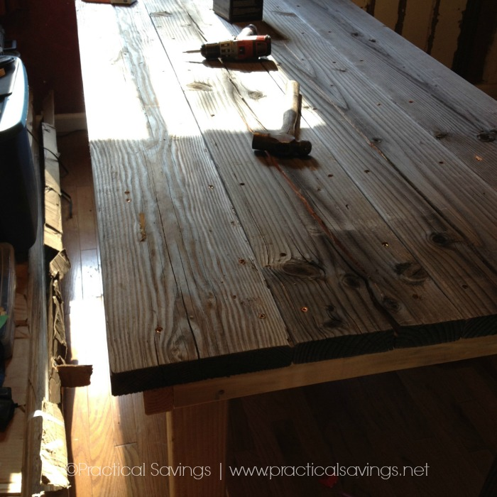 A Simple, easy to DiY Farmhouse Table
