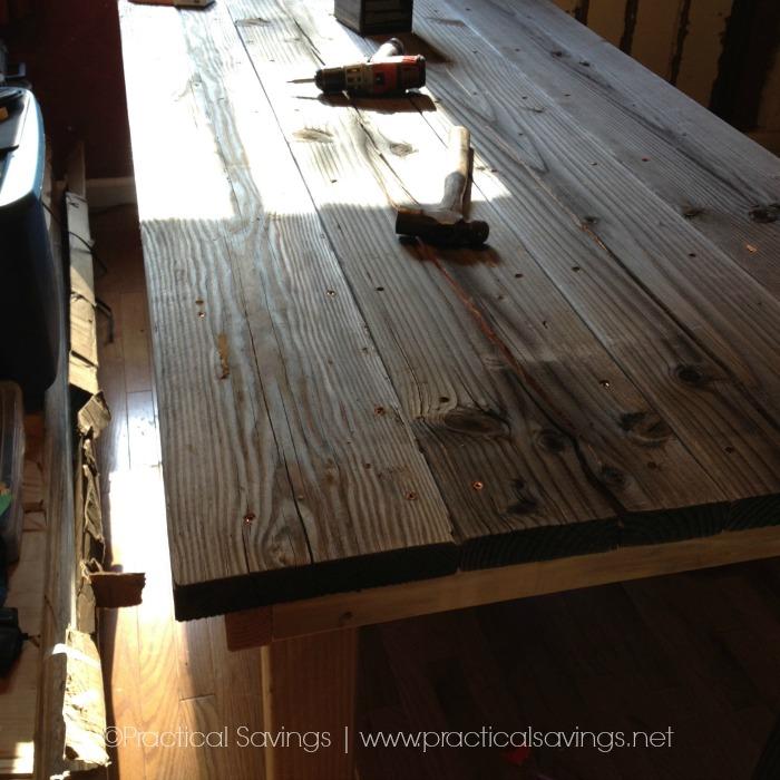 A Simple, easy to DiY Farmhouse Table