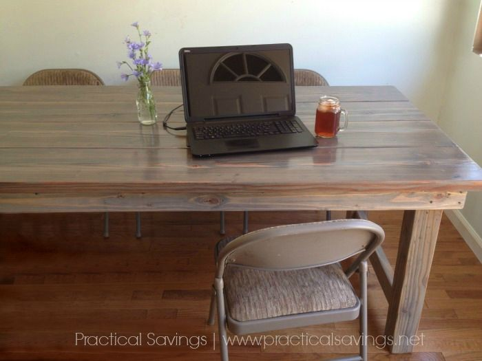 Our simple, easy DiY Farmhouse Table